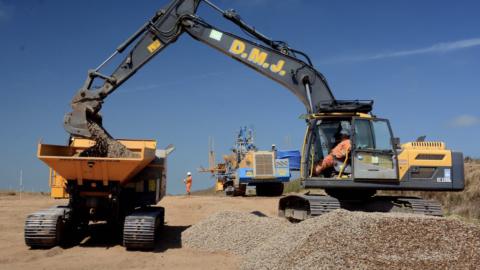 360 Excavator - Volvo EC220D 360 Excavators